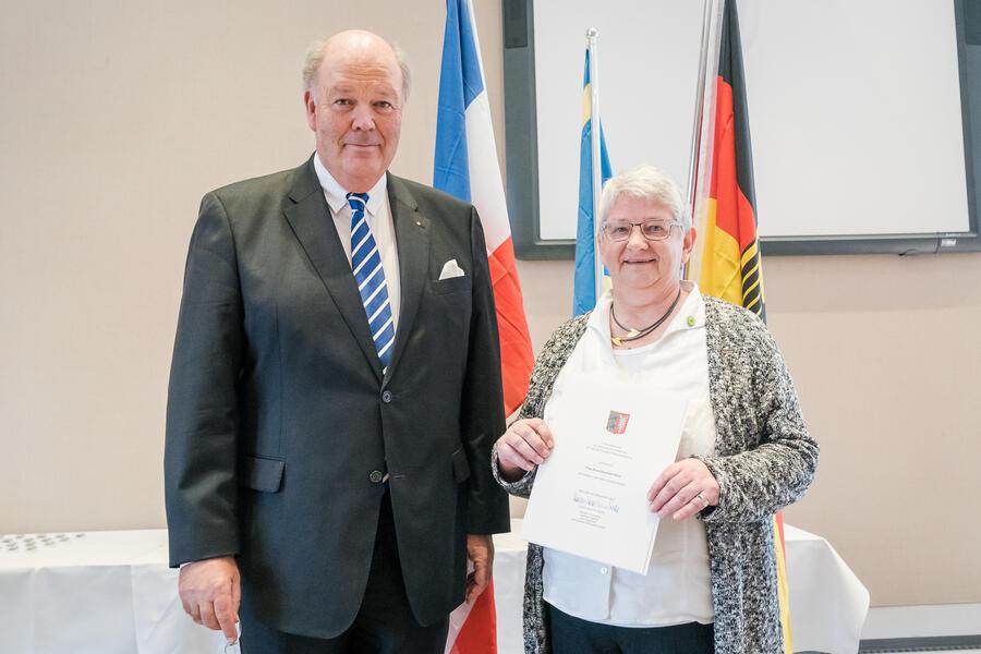 Anna Dorothea Granz mit Innenminister Hans-Joachim Grote