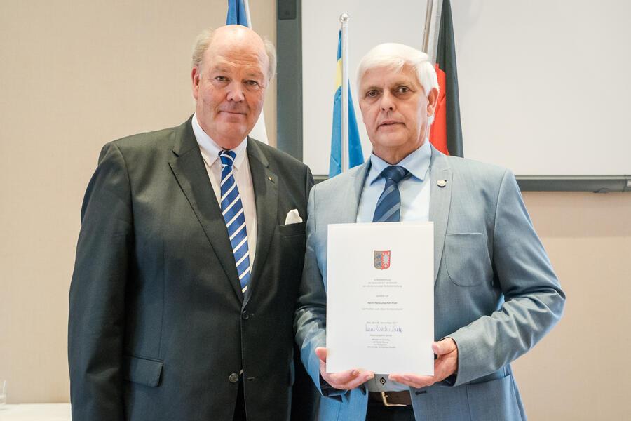 Hans-Joachim Püst mit Innenminister Hans-Joachim Grote